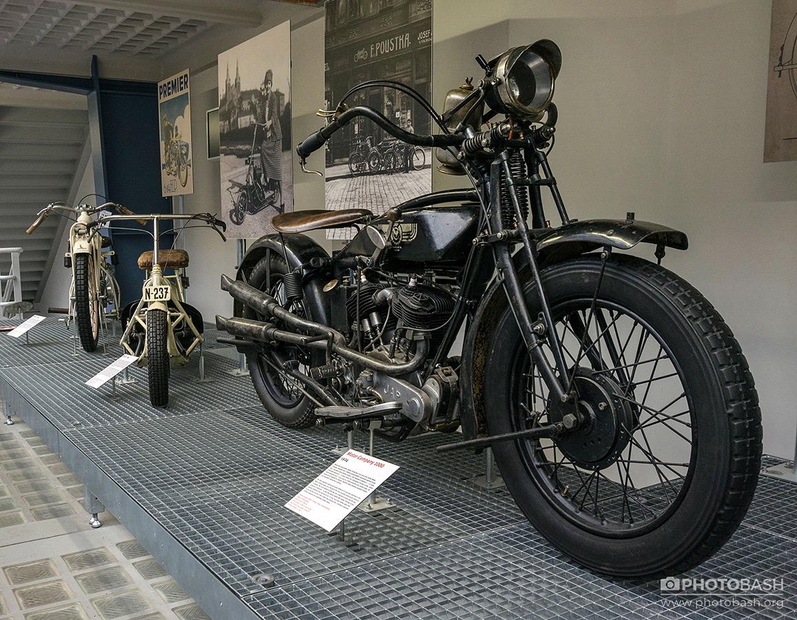 Vintage-Vehicles-Classic-Motorcycle.jpg