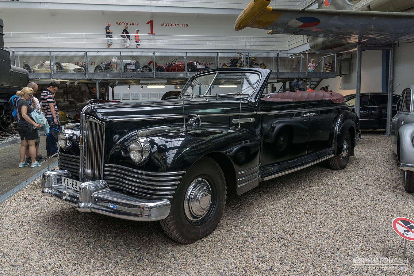 Vintage-Vehicles-Mafia-Oldtimer-Car.jpg