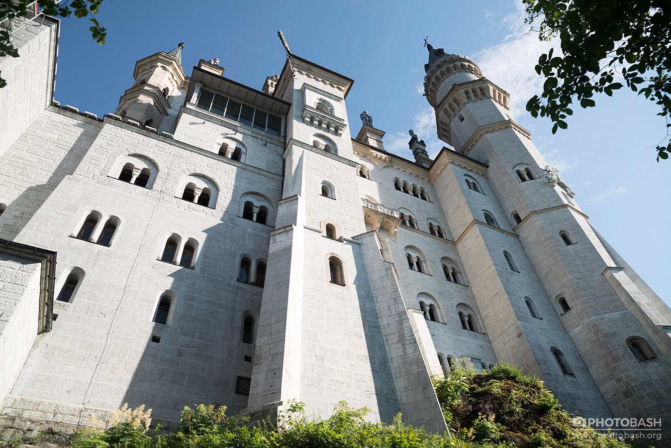 Neuschwanstein-Castle-Fantasy-Architecture.jpg