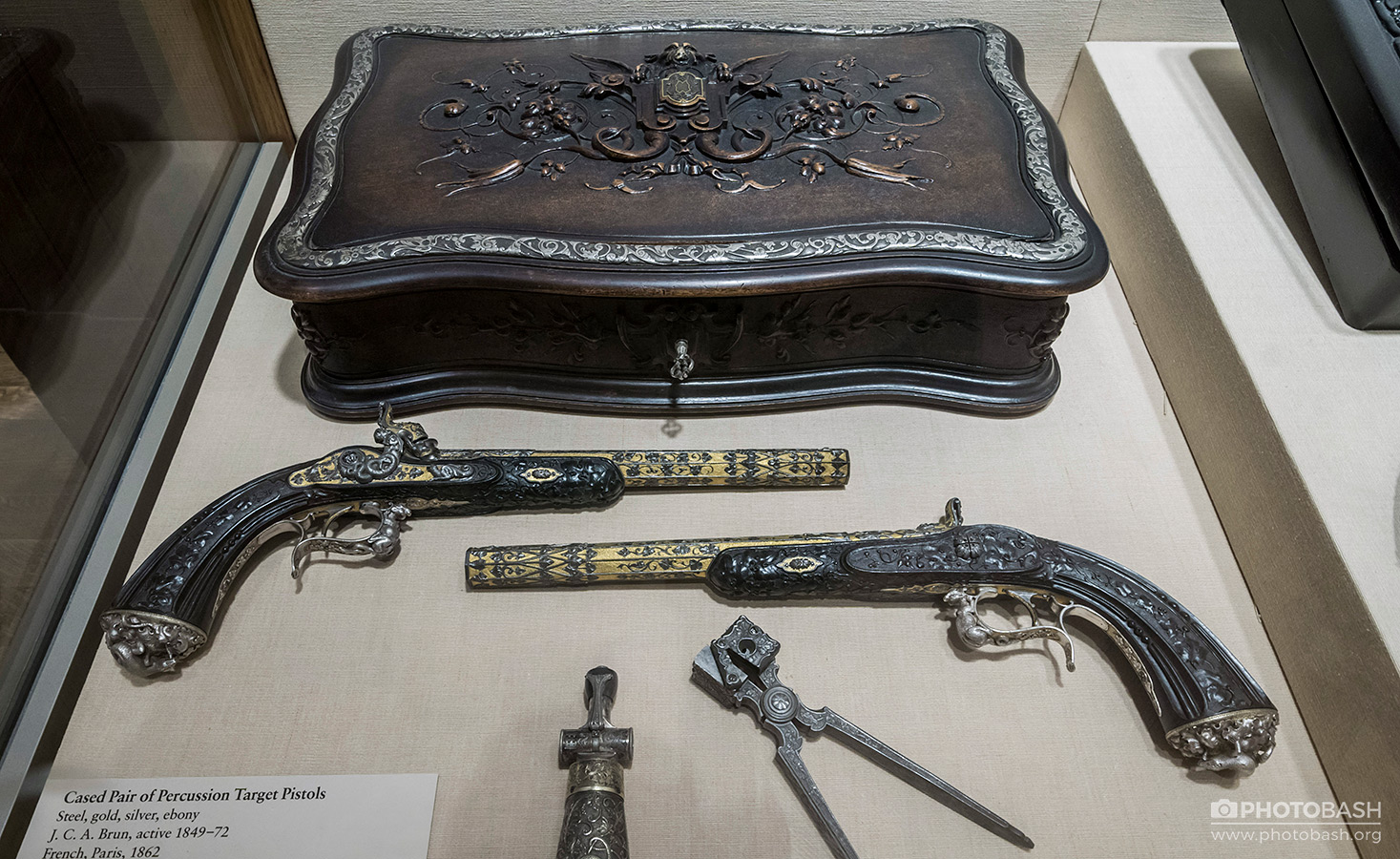 Antique-Firearms-Steampunk-Weapons.jpg
