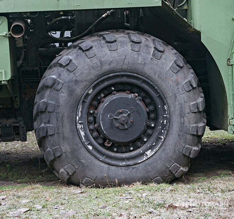 War-Vehicles-Wheel-Tire-Texture.jpg