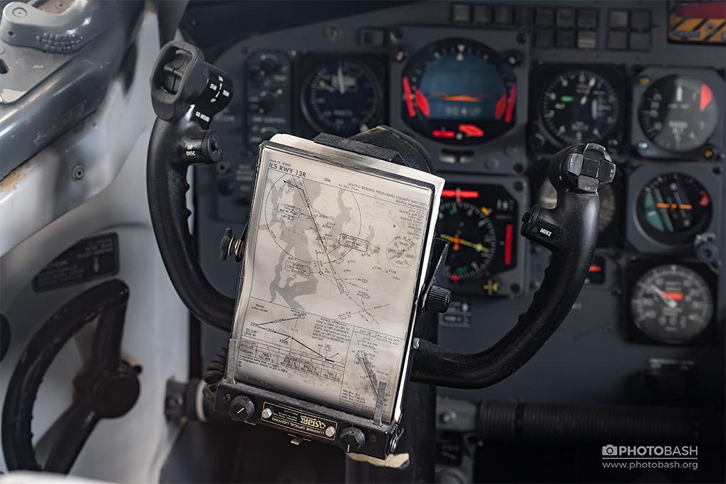 Aircraft Cockpit Flight Map Speedometer.jpg