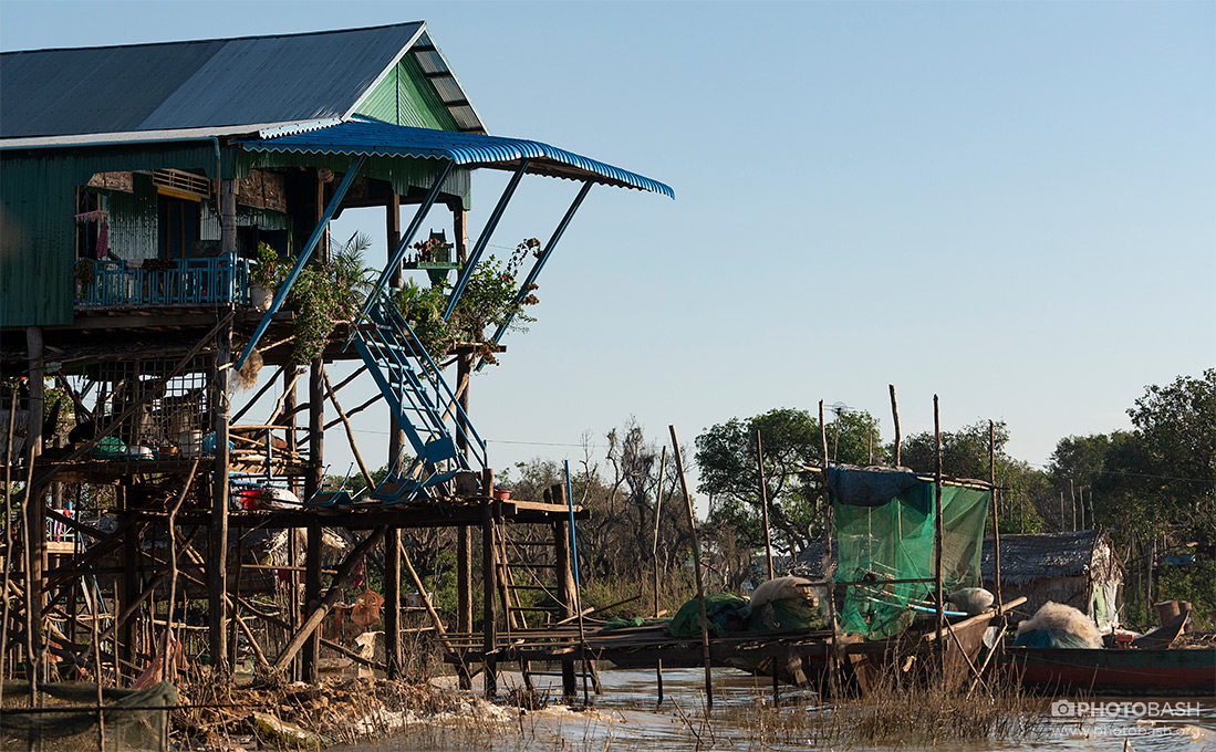 Floating-Village-Riverside-Slum.jpg