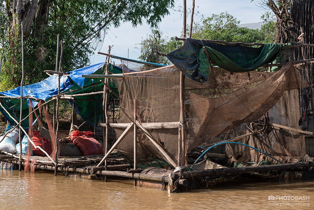 Floating-Village-Slum-Raft.jpg