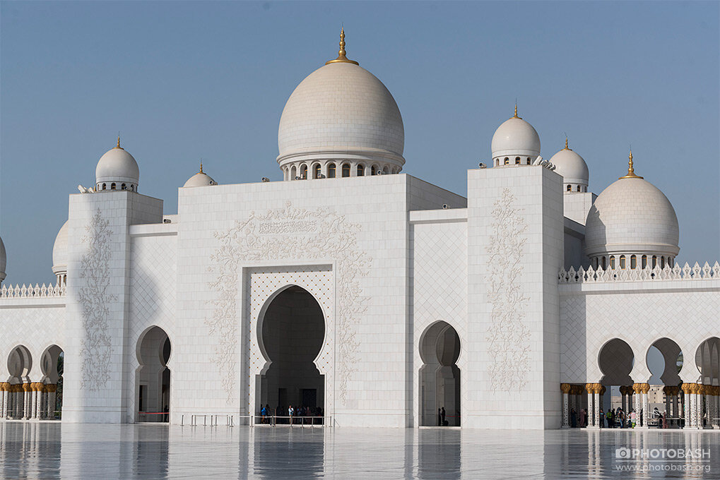 Grand White Mosque Arabian Domes.jpg