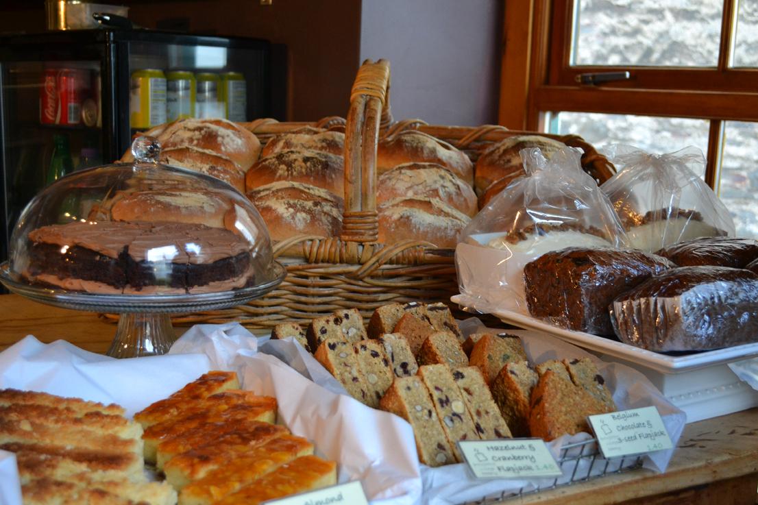 breadandcake.jpg