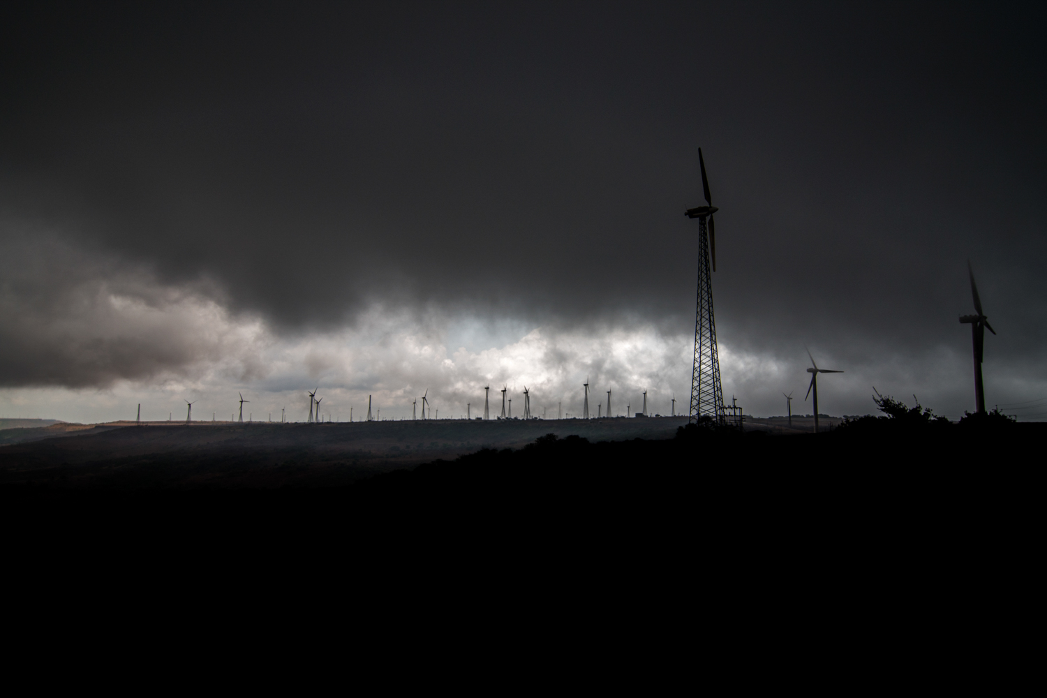 The most dramatic change however are the windmills in the Satara region. Asia's largest wind farm is located in and around the Chalkewadi plateau.