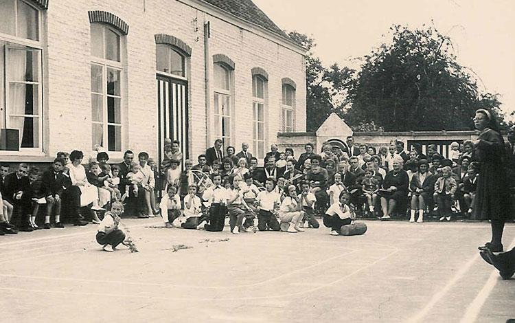Schoolfeest Norbertusschool ca 1960. CEGAH