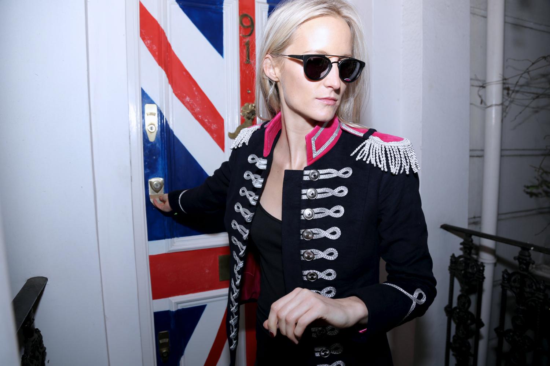 1.Lydia Union Jack door pink collar pink lining.jpg