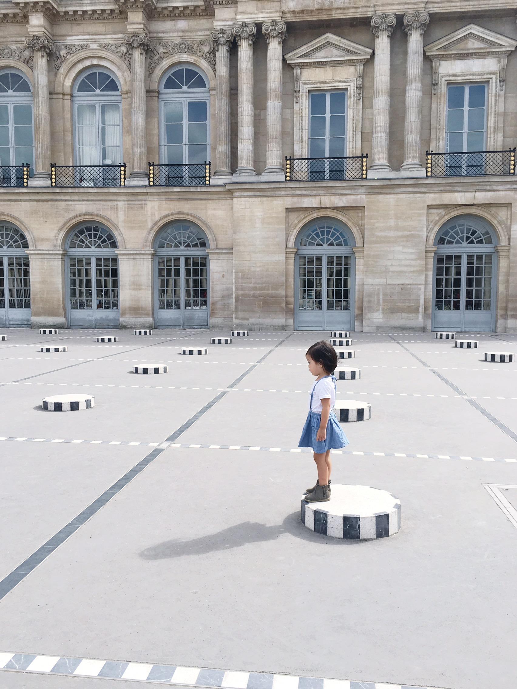 #olivialiviliv at Palais Royal on meethaha.com