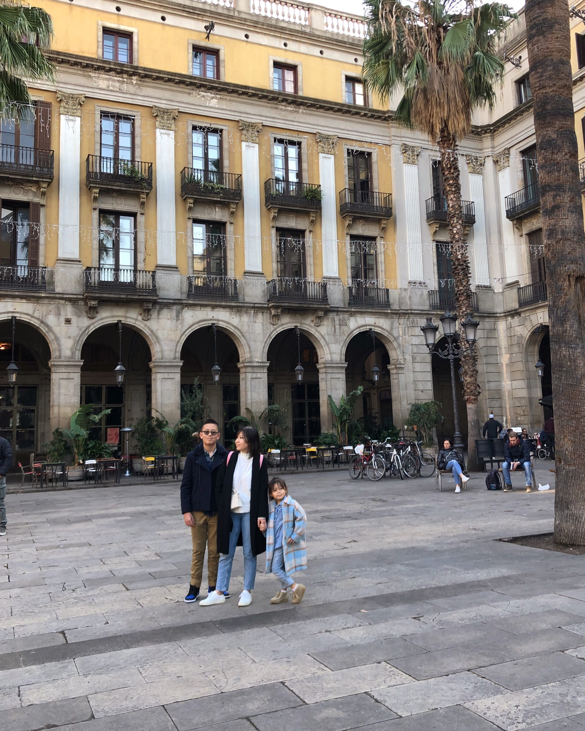 Barcelona with kids on meethaha.com
