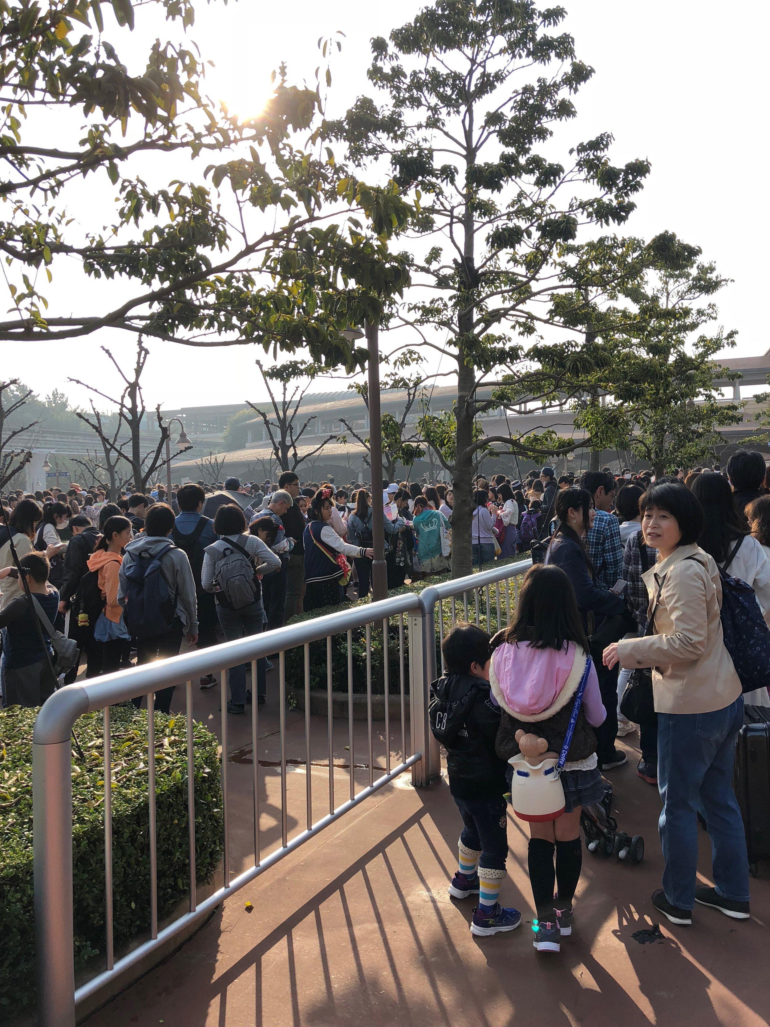 Lines at Tokyo Disney SEA