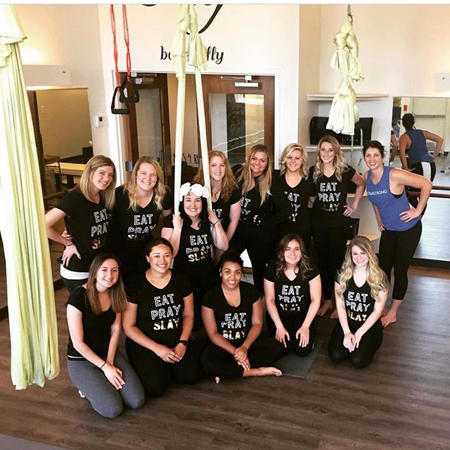 Throw back one of our favorite @kirkircle's bachelorette festivities at our Cleveland studio! We love hosting fun and different aerial parties for gals of all ages! Take your next event up a level ☝🏻 #barre #barrefly #letsparty
