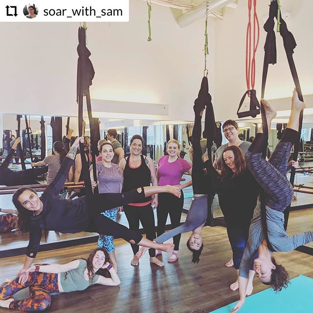 We have SO many fun aerial yoga and Lyra hoop workshops coming up this month!!! Check out this cutie pic from @soar_with_sam and @byrdta aerial tricks and flips workshop last week! Come hang 🤙🏼 #fly #aerial #barrefly #canton #cleveland #fitness