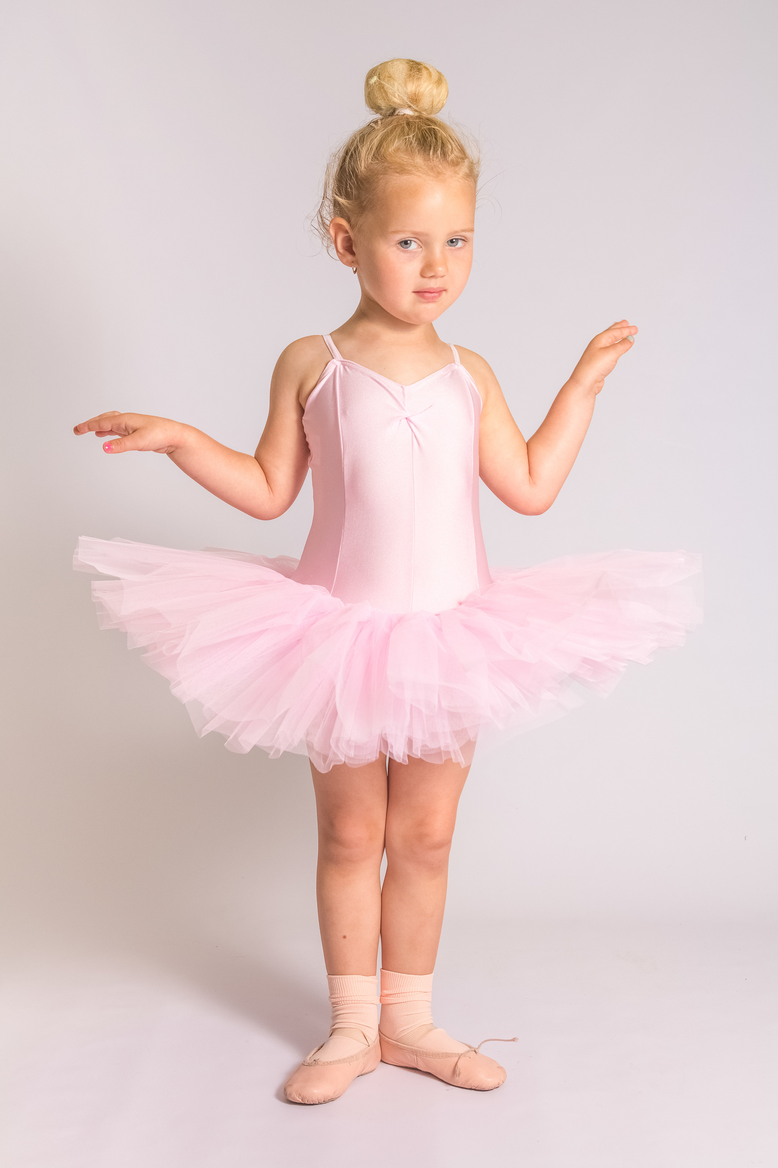dance school crewe nantwich cheshire photo photography tutu pink dancers