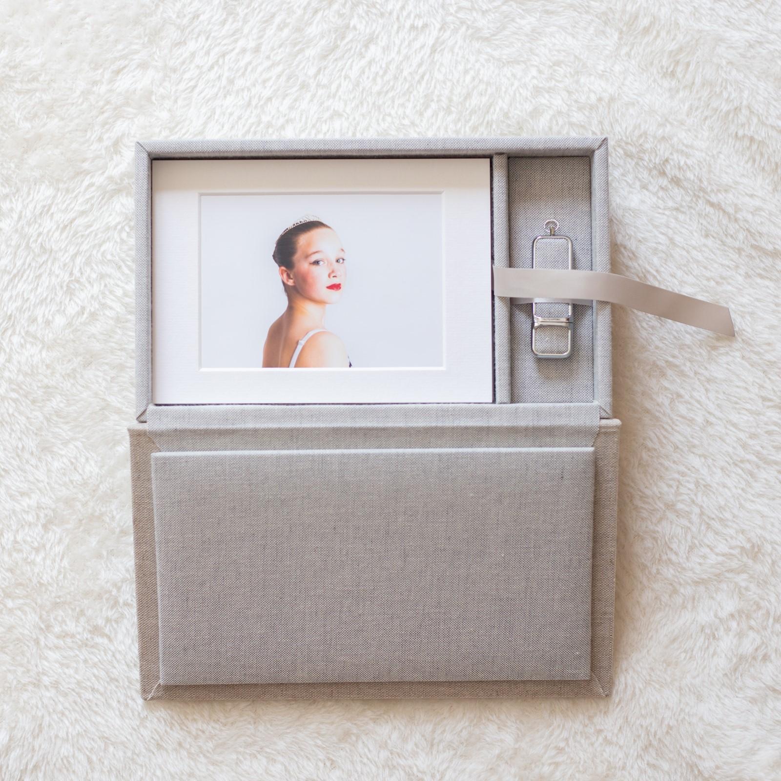 Folio Boxes (12) (Custom).jpg