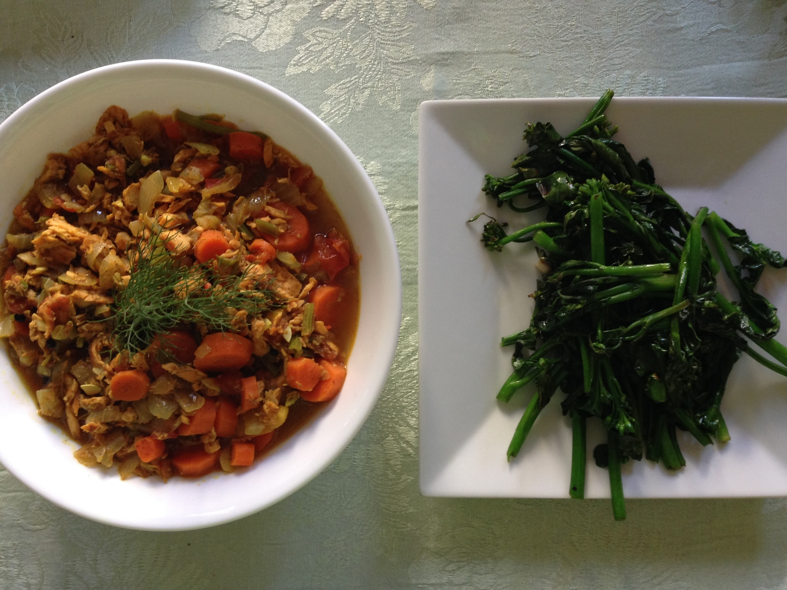 quick salmon leftovers curry with broccolini - approaching paleo
