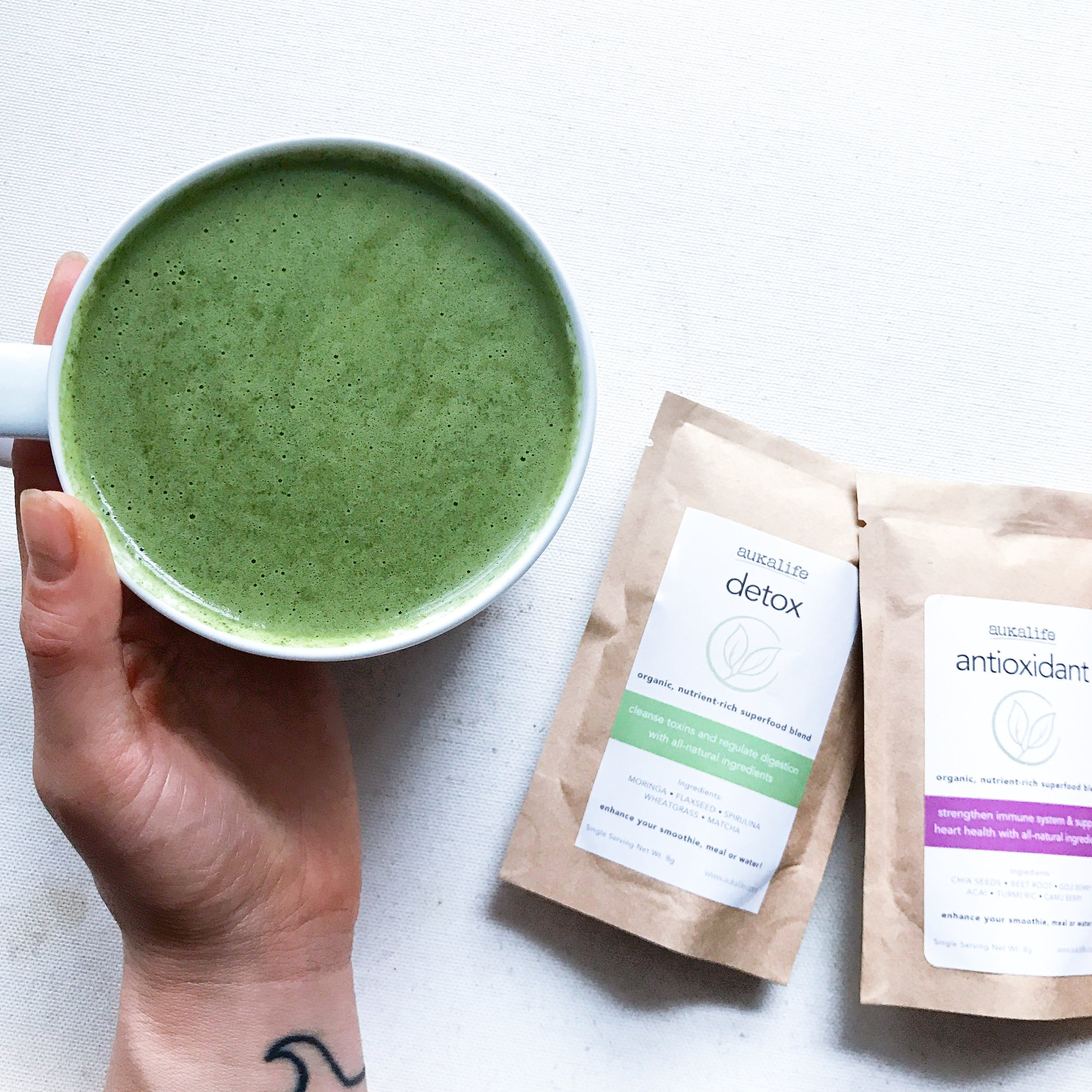 A  uKa Life   I love supporting local, female-owned businesses like Auka Life .  They have superfood blends that you can add to smoothies or just water.   10% off  your order:  APALEO10