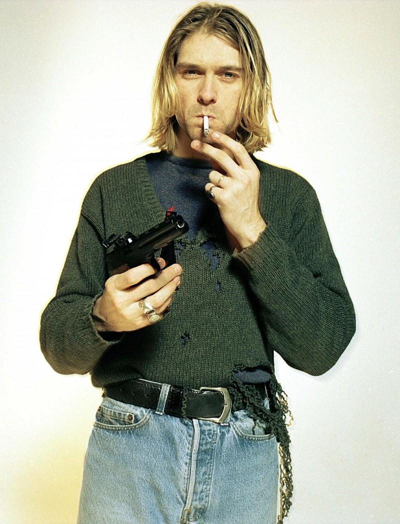 Kurt-Cobain-Style-Photo-Deconstructed-Sweater-Jeans-800x1048.jpg