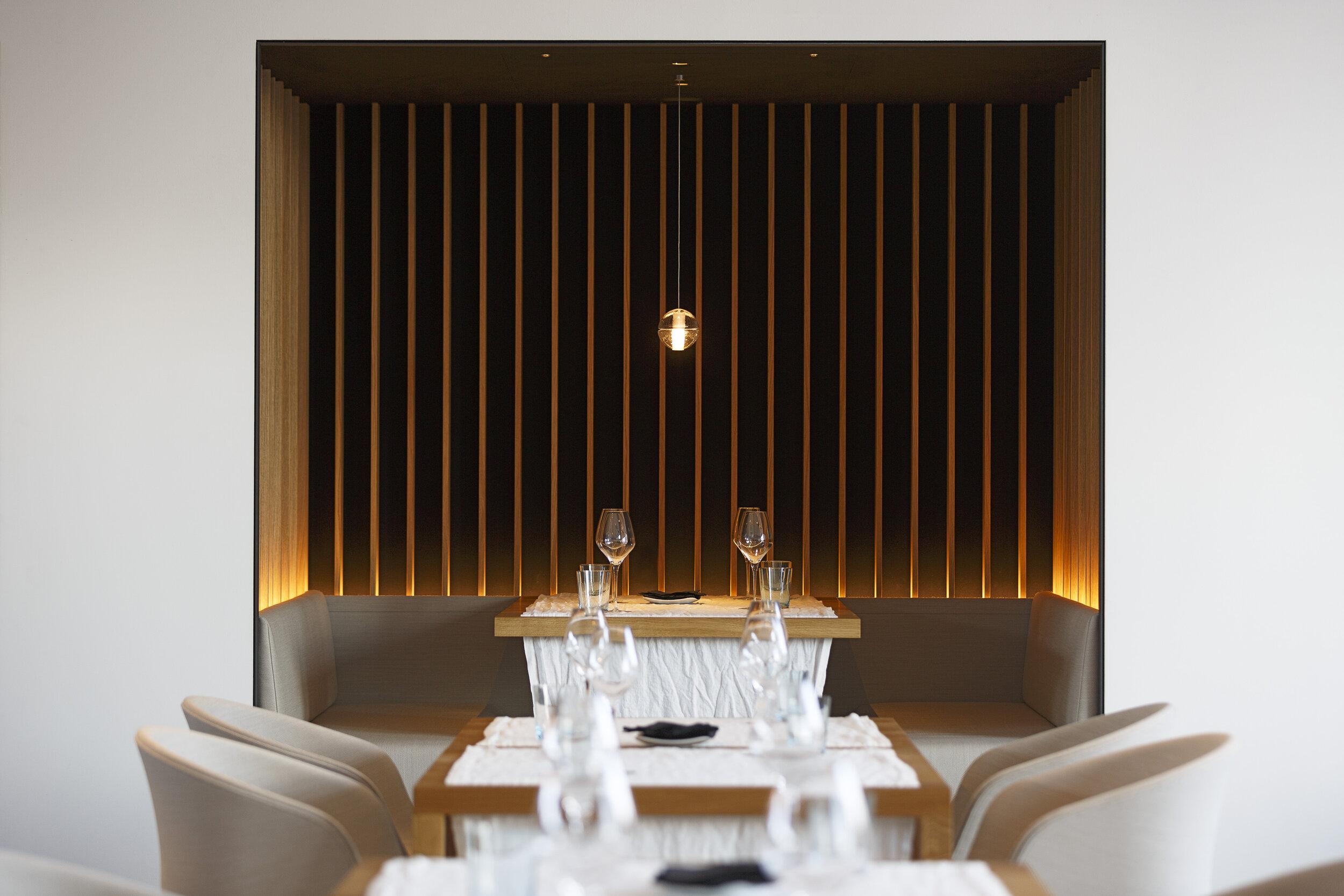 01_Restaurant Storstad_Sitzloge im Hauptgastraum_Foto Florian Hammerich.jpg
