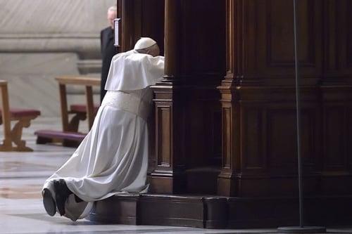 PopeFrancisinconfession.jpg