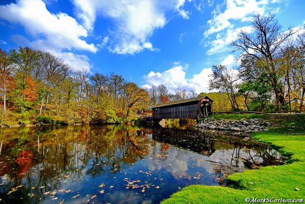 Fallesburg-Covered-Bridge-autumn