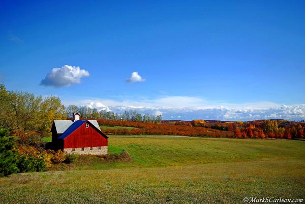 Barn-and-cherry-orchard-autumn-Leelanau-Co-MI