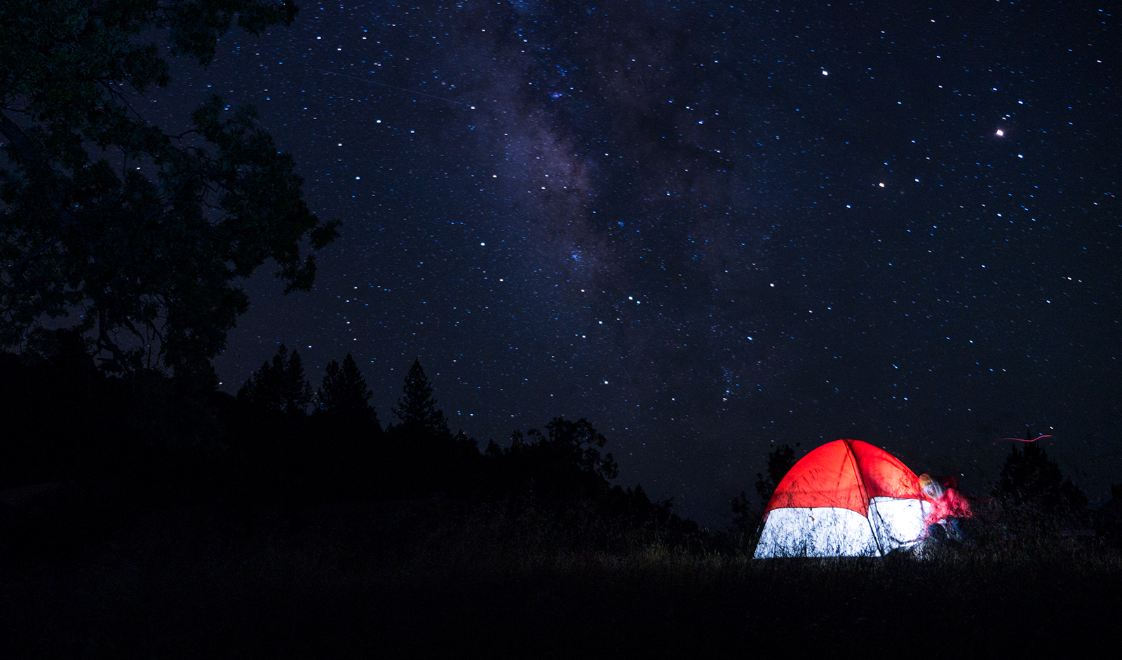 hobo life night astrophotography of red tent hoang m nguyen