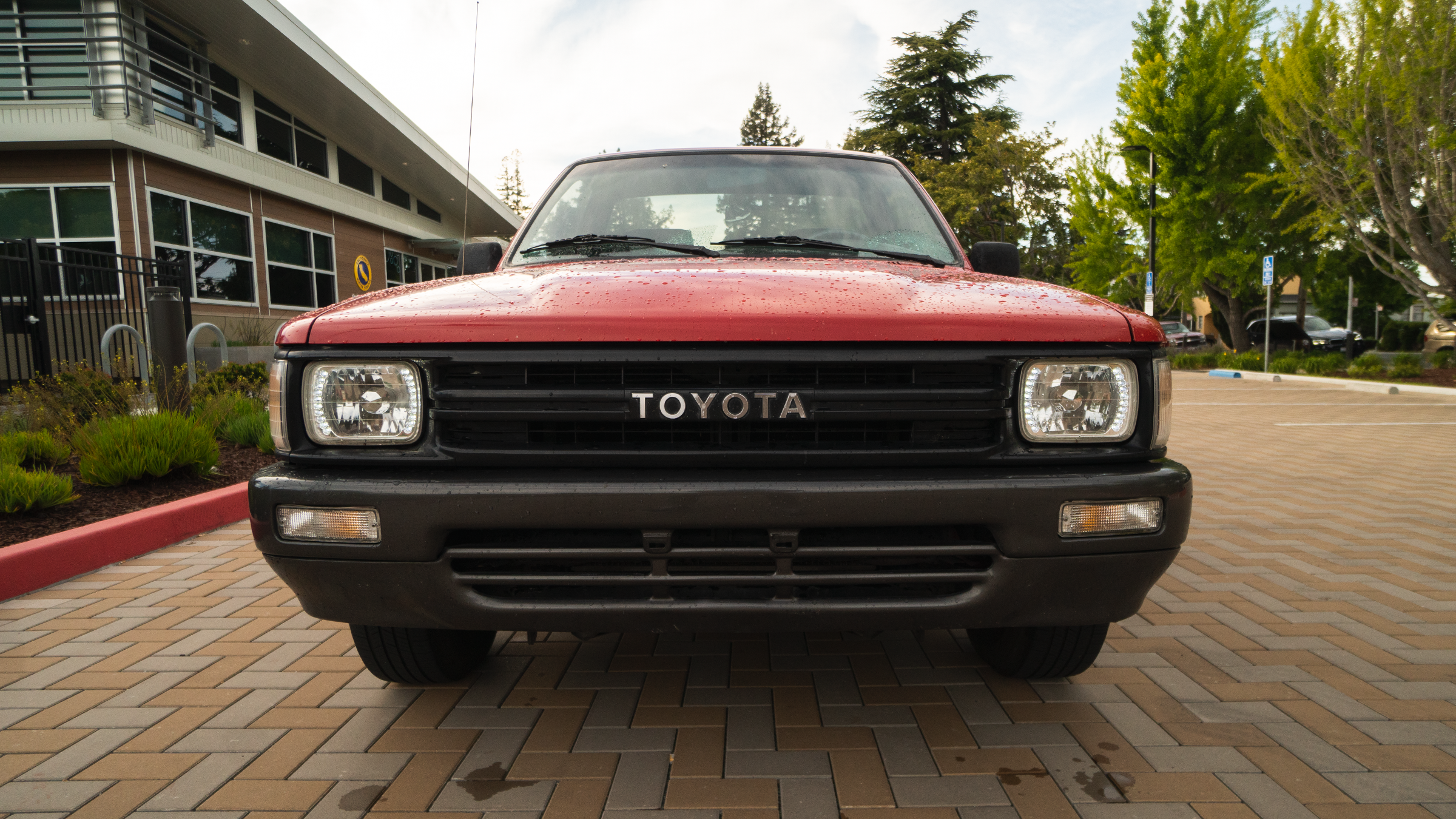 1991Toyota_Red_2wd_Hobo_2.png