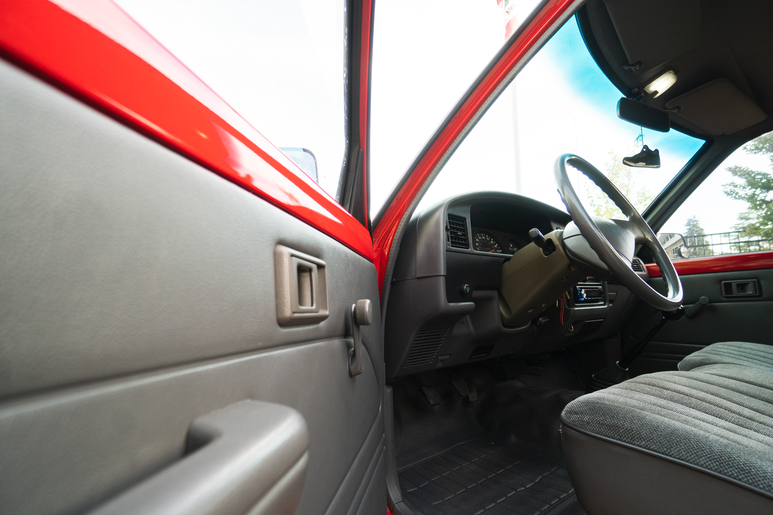 1991Toyota_Red_2wd_Hobo_5.png