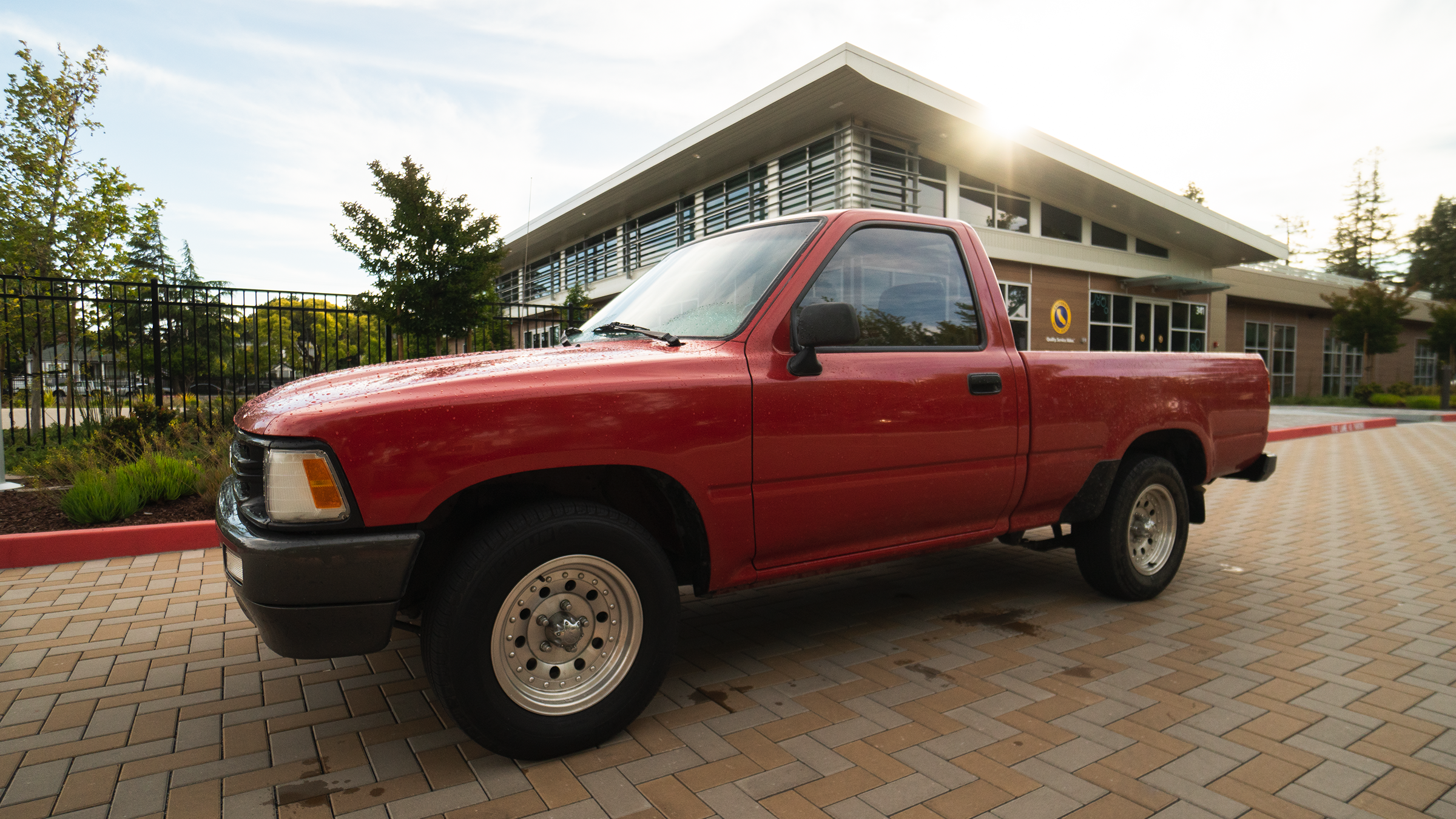 1991Toyota_Red_2wd_Hobo_3.png