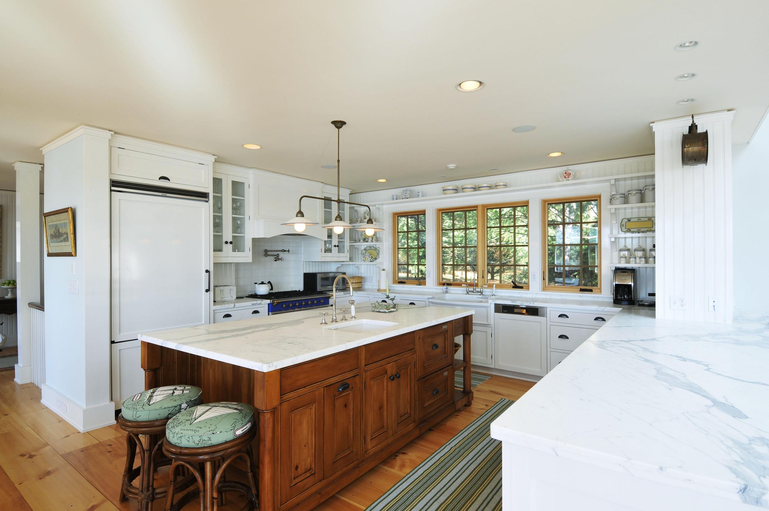 Barry#98008 kitchen.jpg