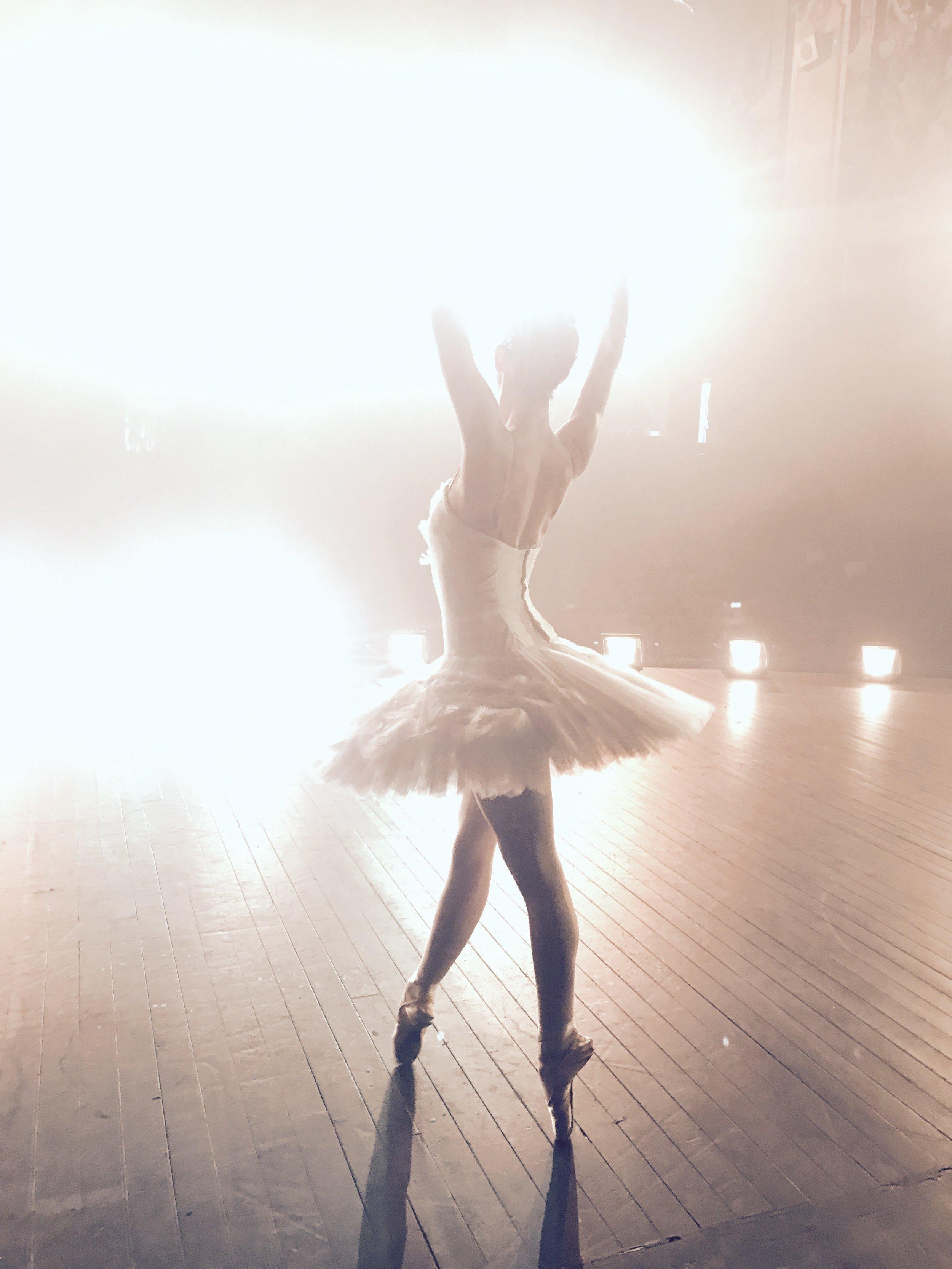 Ballerina APPLE commercial shoot -12.jpg