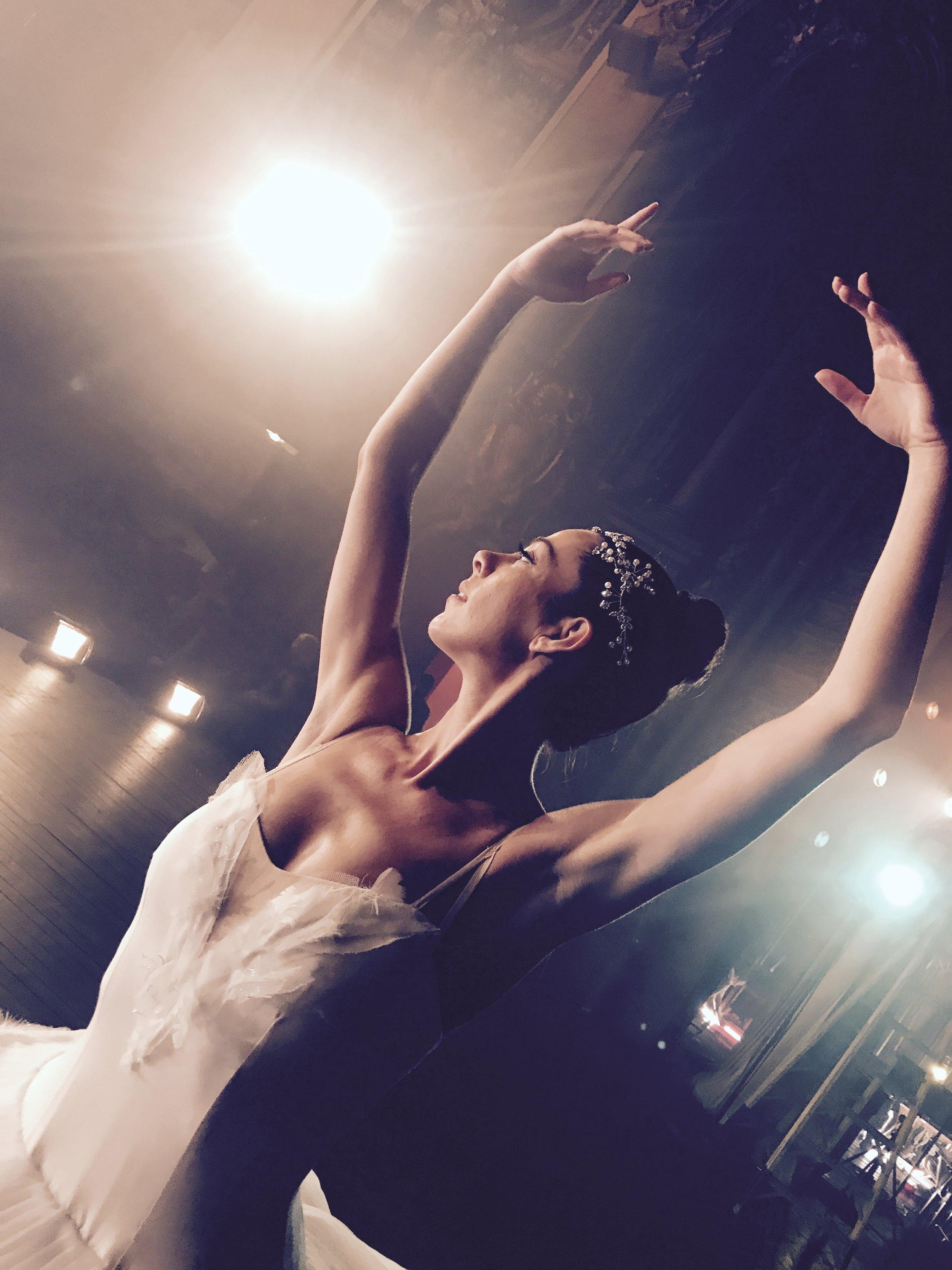 Ballerina APPLE commercial shoot -13.jpg