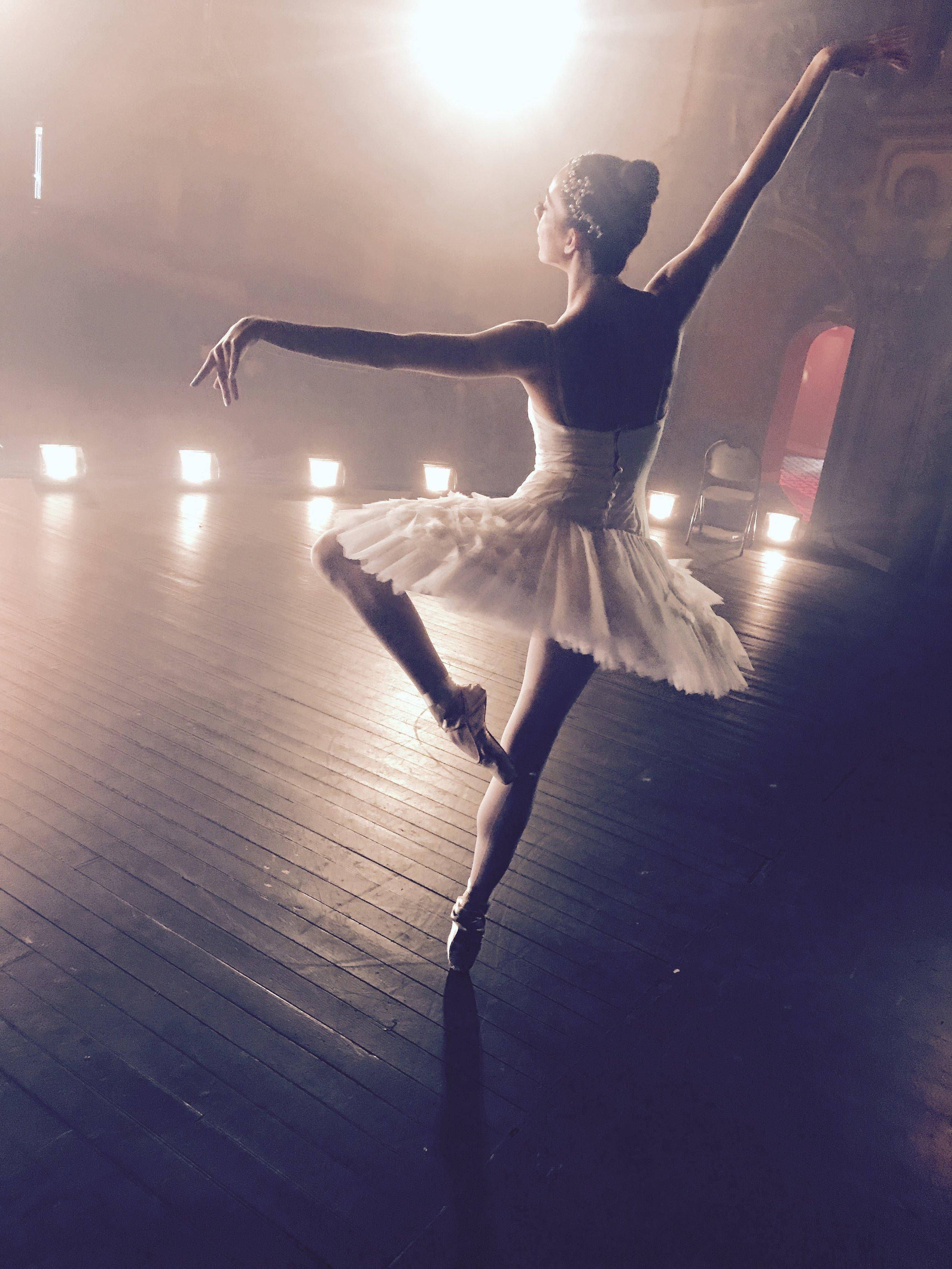 Ballerina APPLE commercial shoot -14.jpg