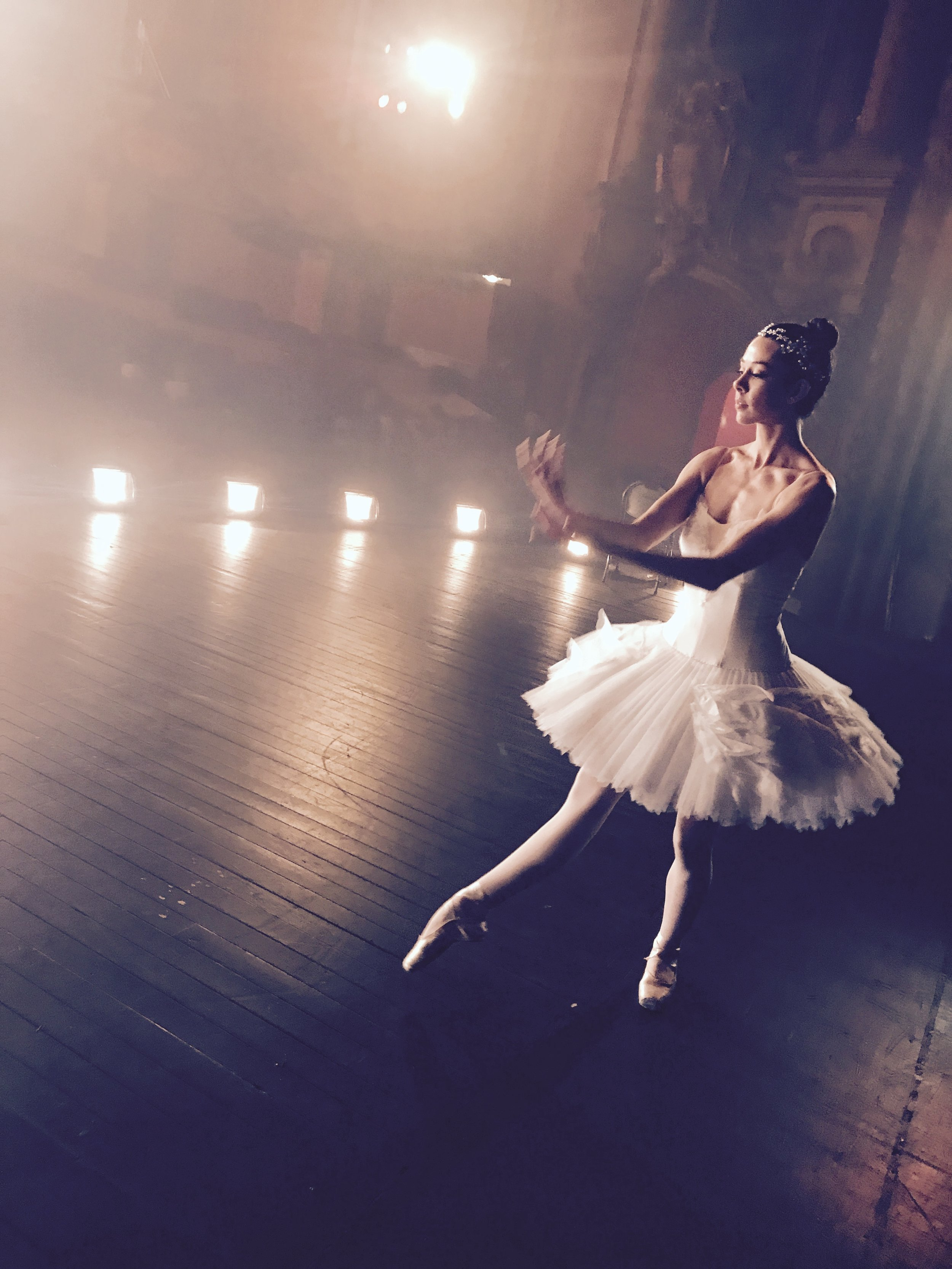Ballerina APPLE commercial shoot -15.jpg