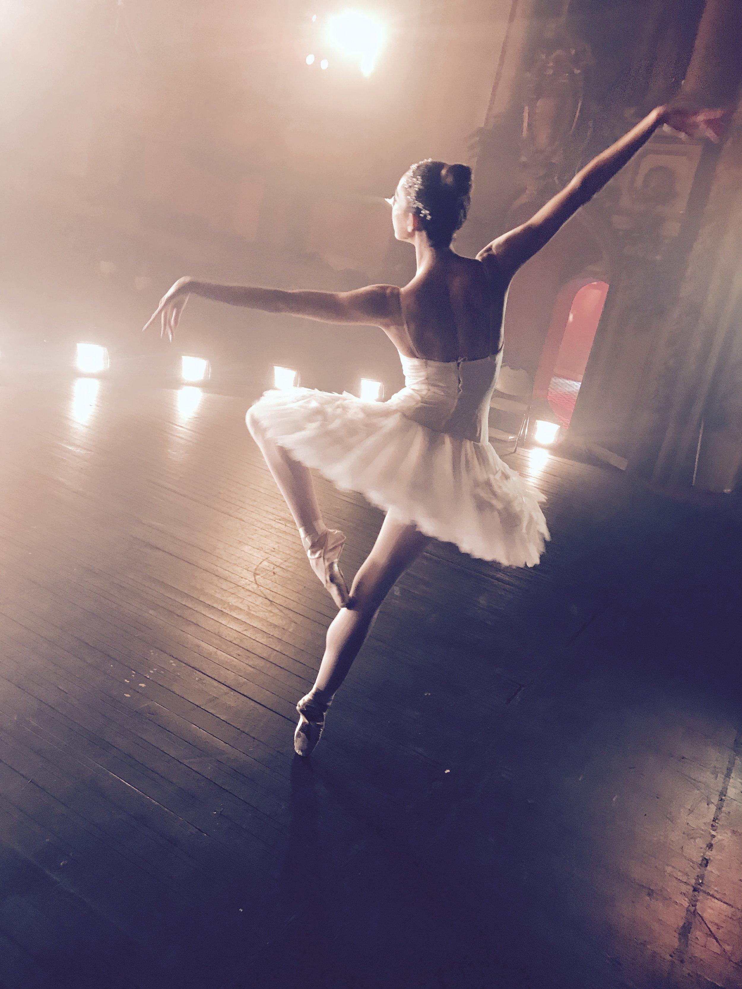 Ballerina APPLE commercial shoot -16.jpg