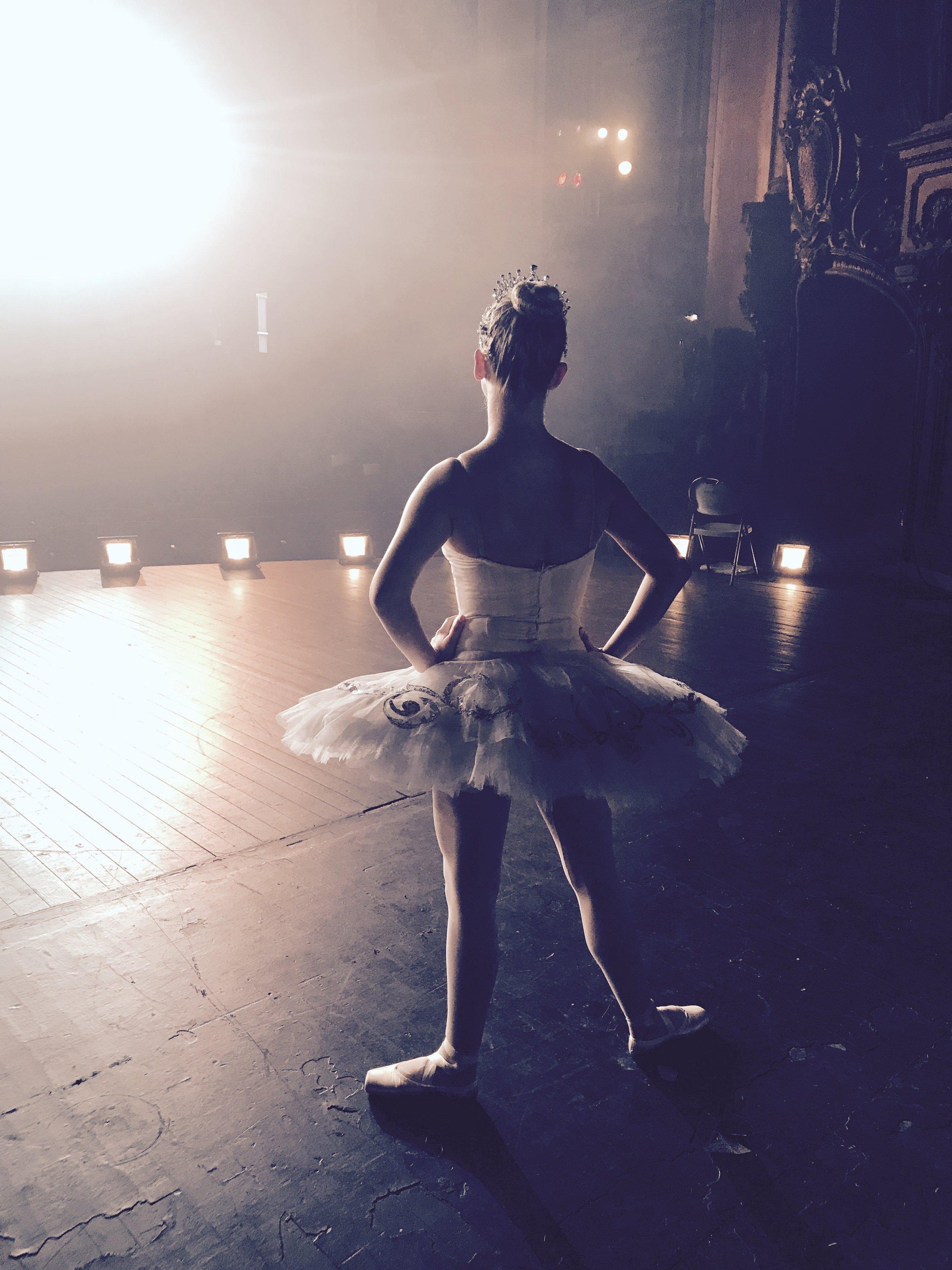 Ballerina APPLE commercial shoot -18.jpg