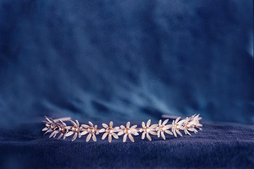 silver-daisy-tiara