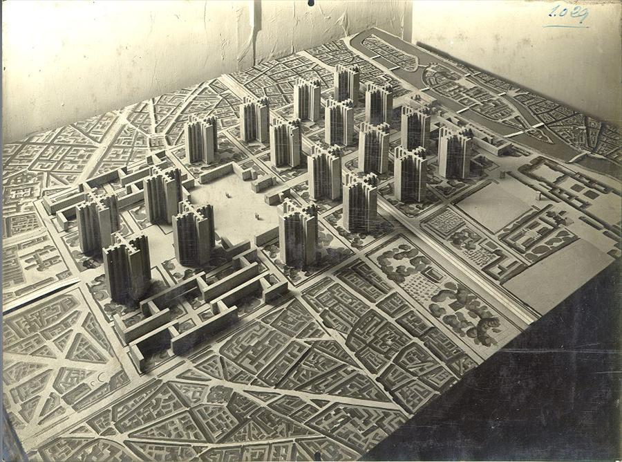 Model image from  Foundation Le Corbusier . I have a VERY hard time picturing this in the middle of Paris.