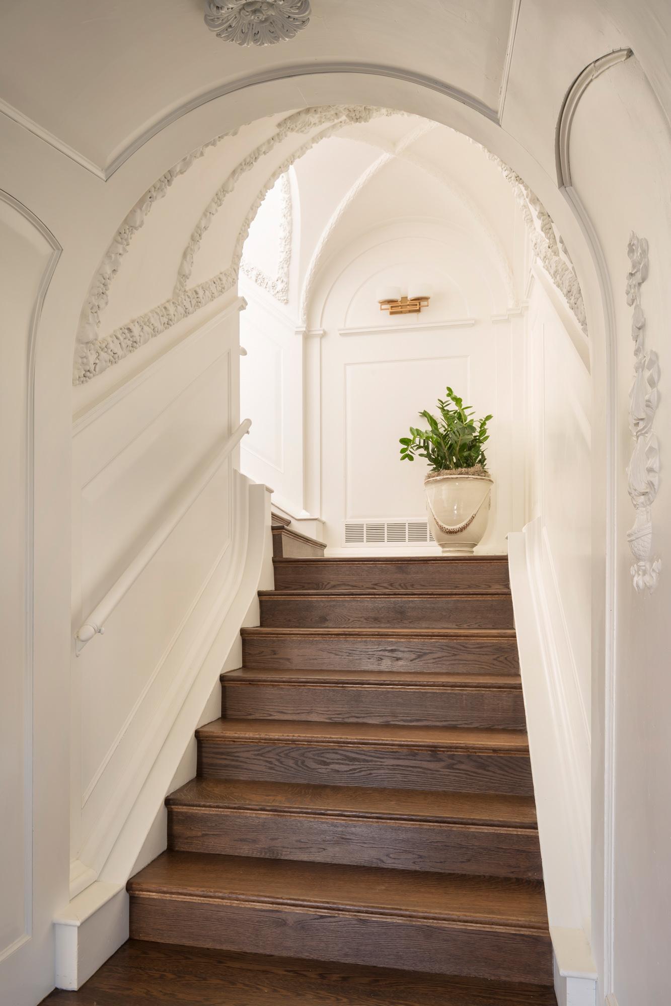 Entry_Stairway_1799.jpg