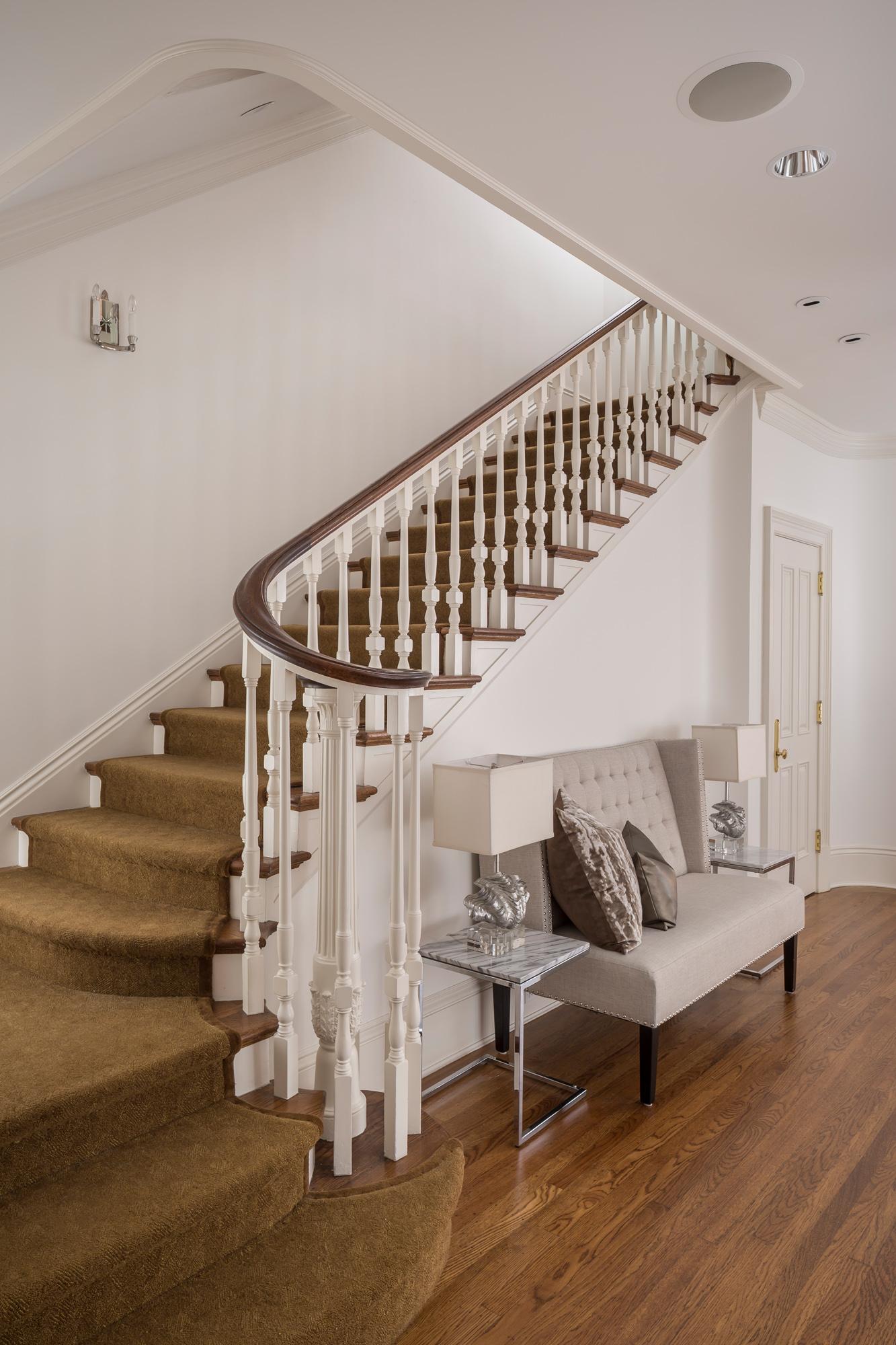 L1_Stairway_6350.jpg