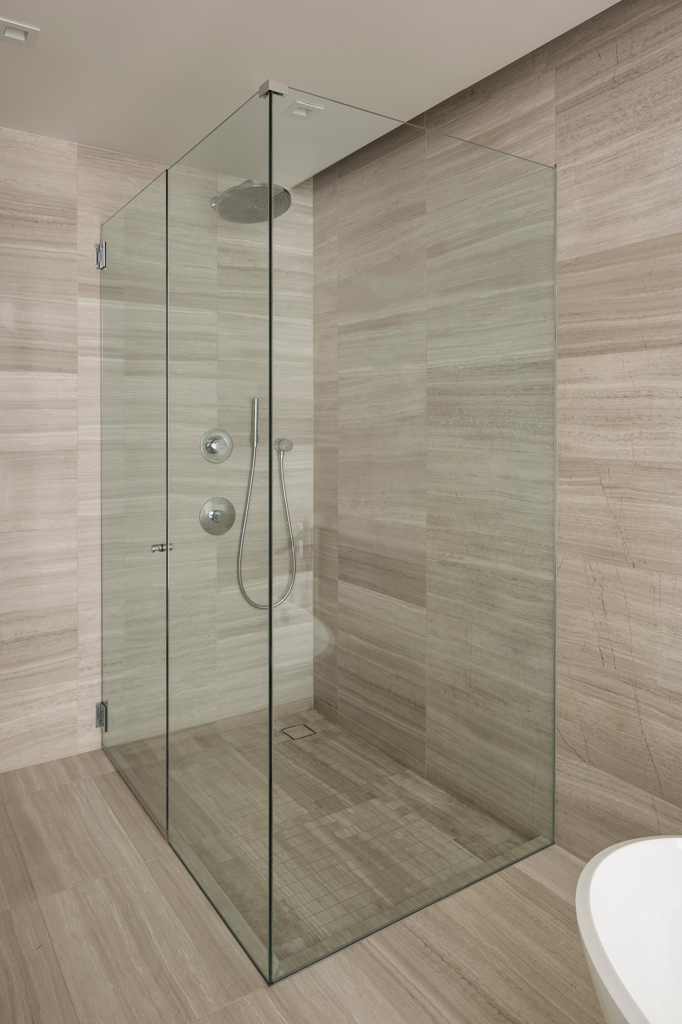 Master_Bath_Shower_9385.jpg