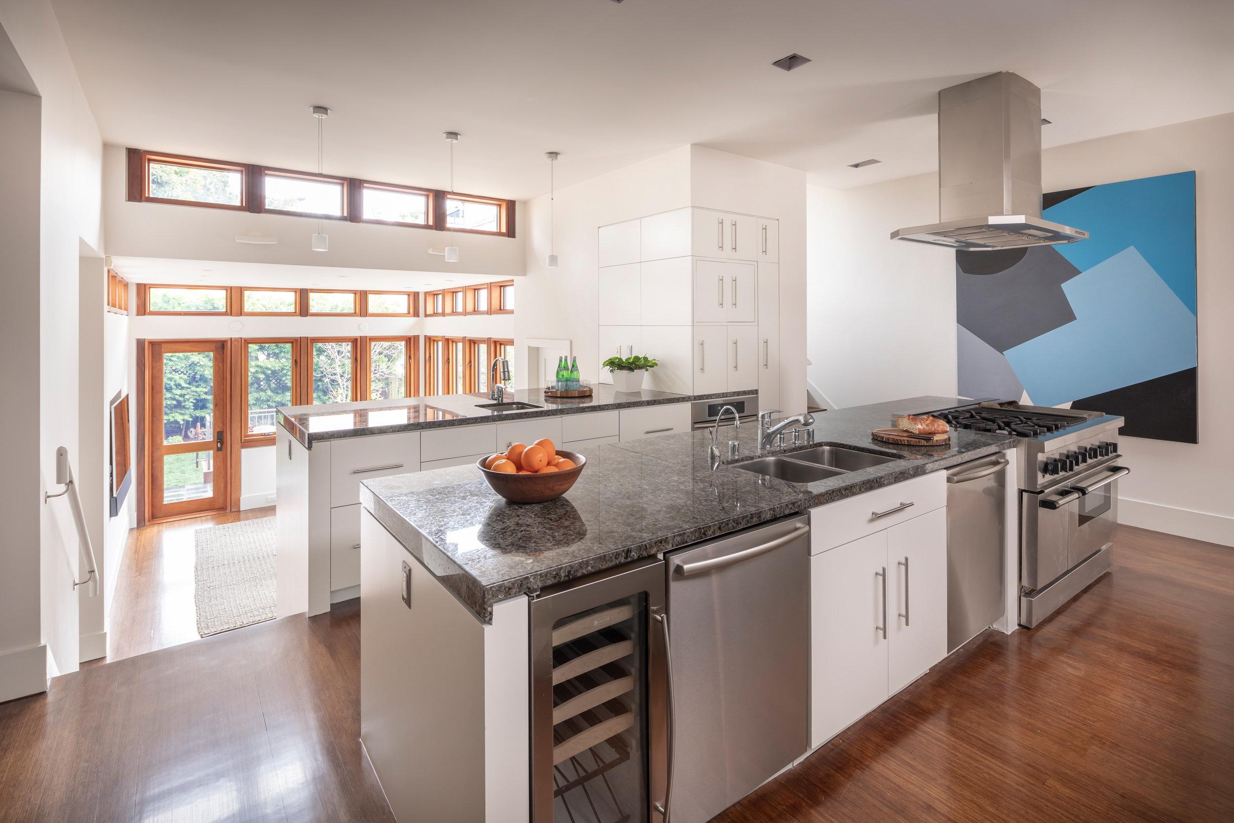 L1_Kitchen_2153.jpg