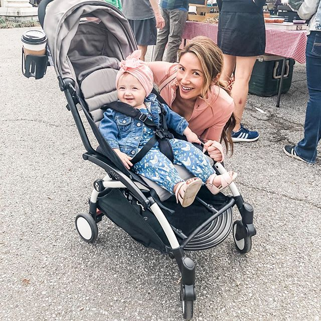 We had the best time strollin' around the farmers market today.  We had egg tacos, brought home some banana bread, and Harlow got to play on a playground for the first time!  Harlow was pointing at the dogs and wanted to visit with each one! 💓