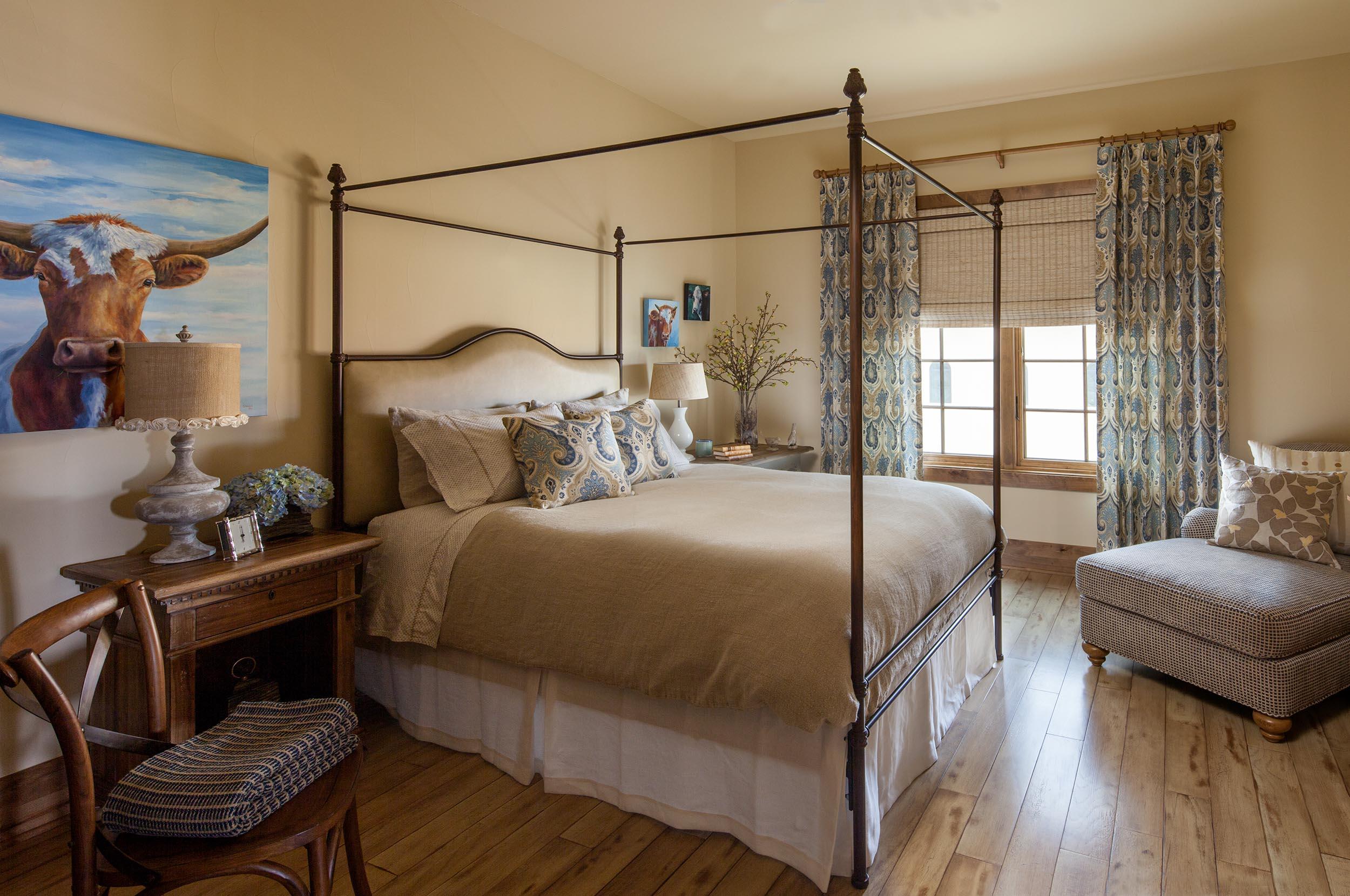 austin-house-guest-bedroom-interior-design.jpg