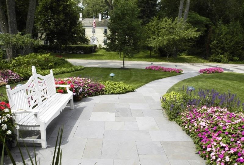 Photo via Van Zelst Landscape Development