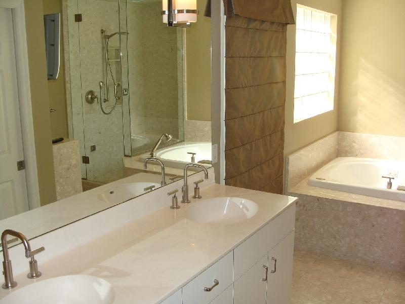 015_2nd Master Bath.jpg