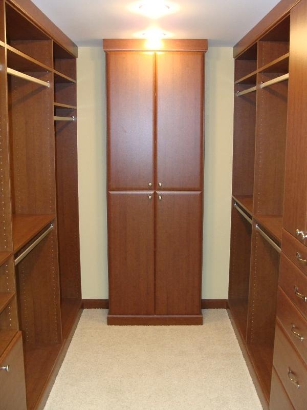 013_1st Master Closet.jpg