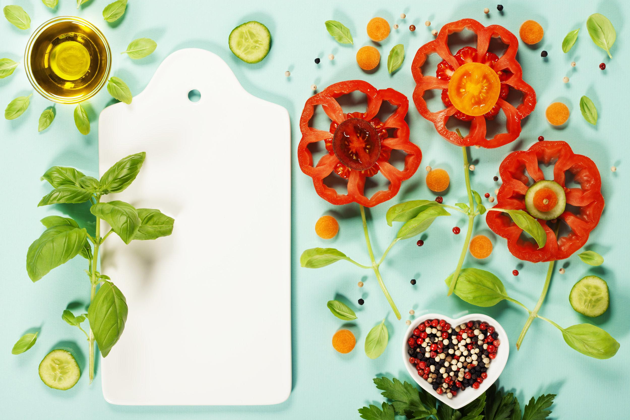 cute-flowers-made-of-fresh-organic-vegetables-PGKNUEE.jpg